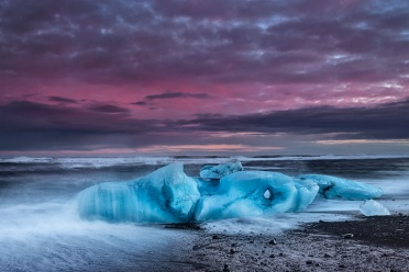 Small blue icebergs