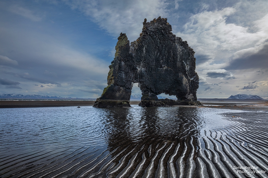 Hvítserkur at low tide