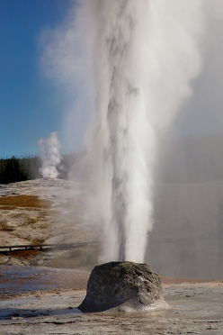 beehive-and-old-faithful