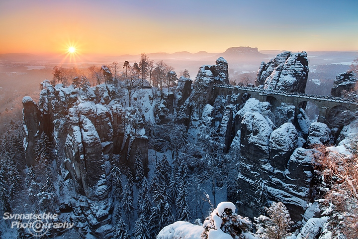winter sunrise at the bastei saxon switzerland news synnatschke photography. Black Bedroom Furniture Sets. Home Design Ideas